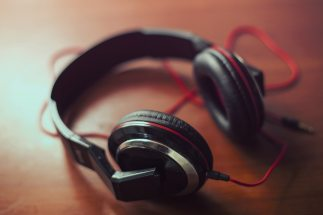 audio-headphone-hearing-1591