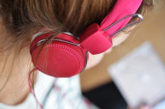 hair-headphone-hearing-3100